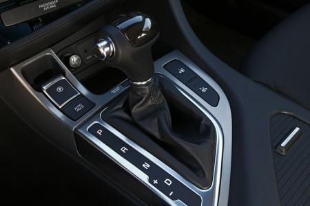 Kia Optima Facelift mit Automatik-Wählhebel mit Holz-Einsatz, Foto: Kia