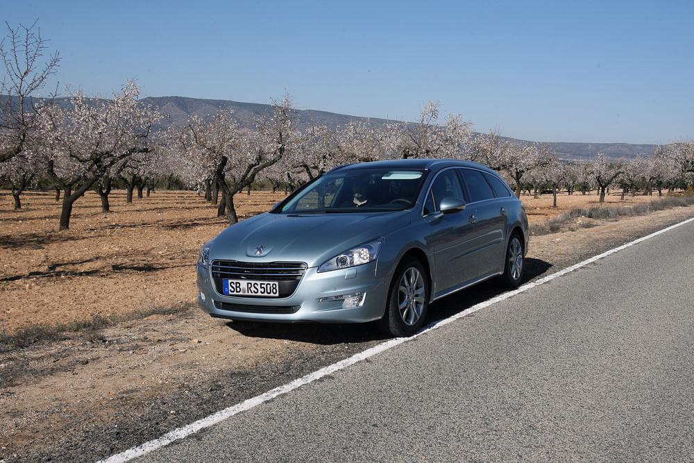 Peugeot_508sw_front