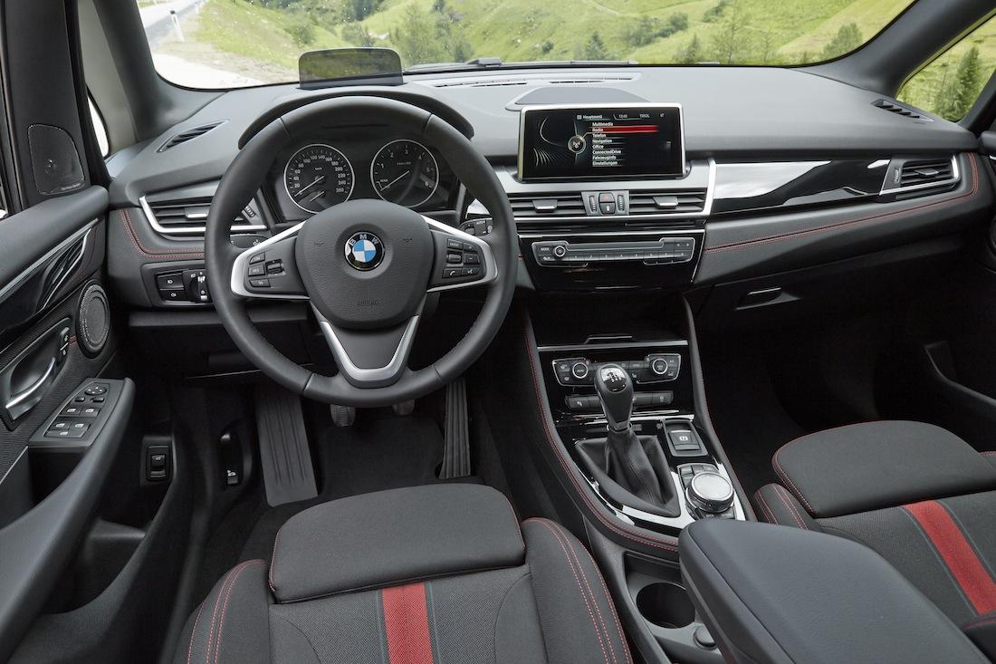 BMW2erActiveTourer_218d_rot006