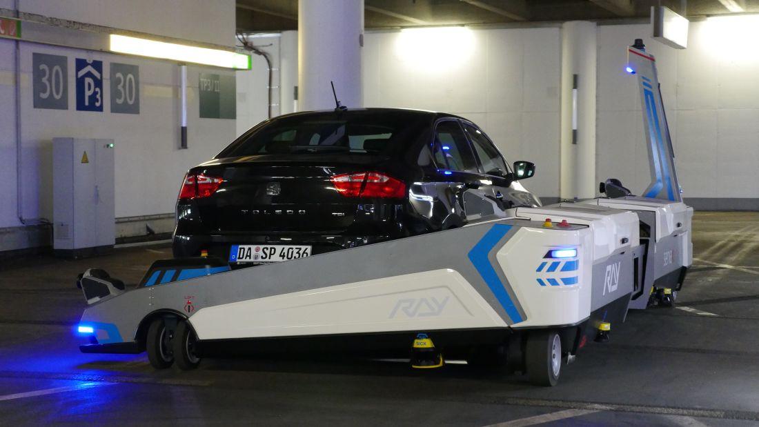 Serva_FlughafenDUSDuesseldorf_Autogefuehl003