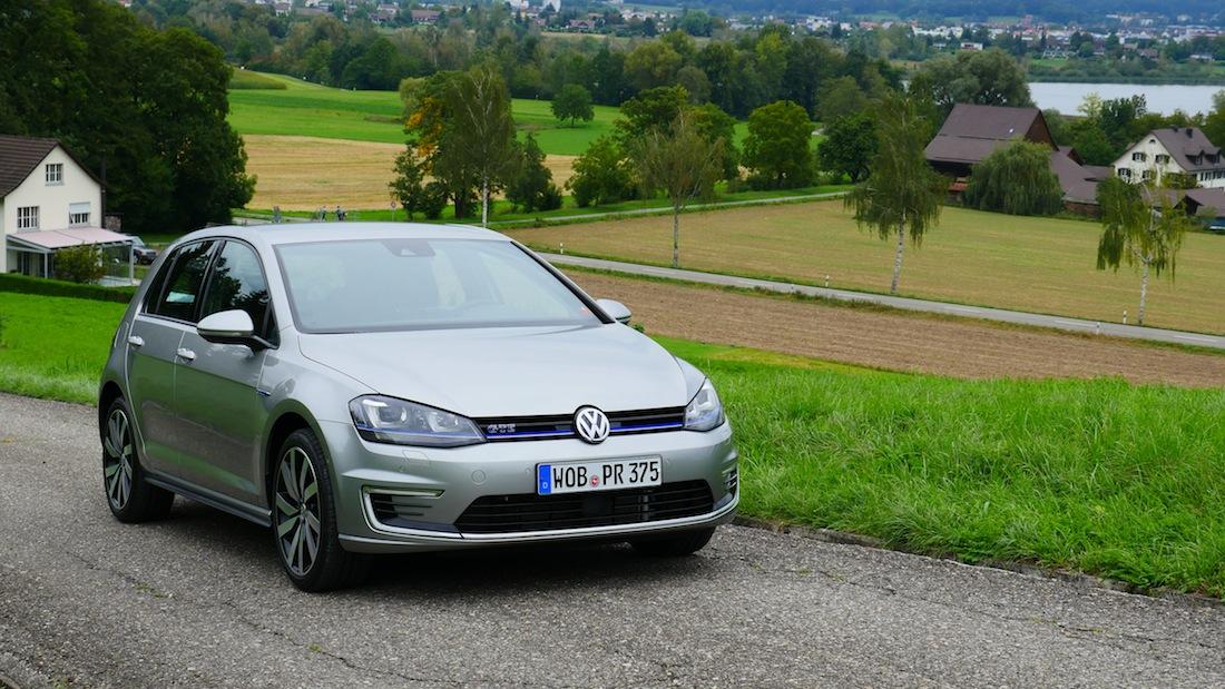 VolkswagenGolfGTE_PluginHybrid008