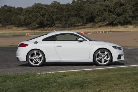 2015_AudiTT_Coupe004