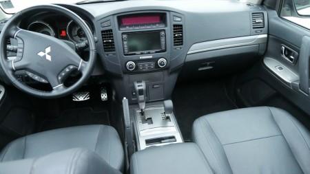 MitsubishiPajeroMontero_Edition30_007