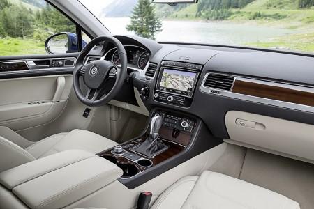 VolkswagenTouaregFacelift2015007
