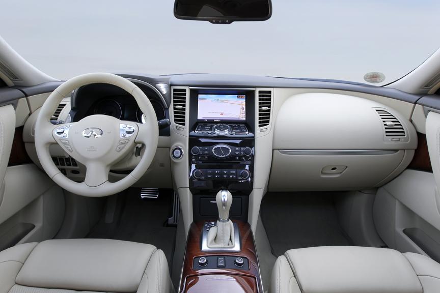 Infiniti_QX70_SUV005