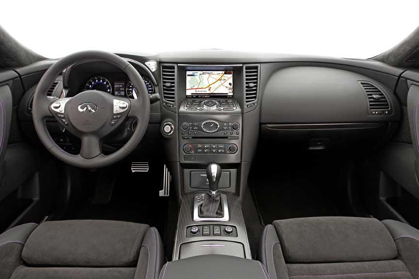 Infiniti_QX70_SUV011