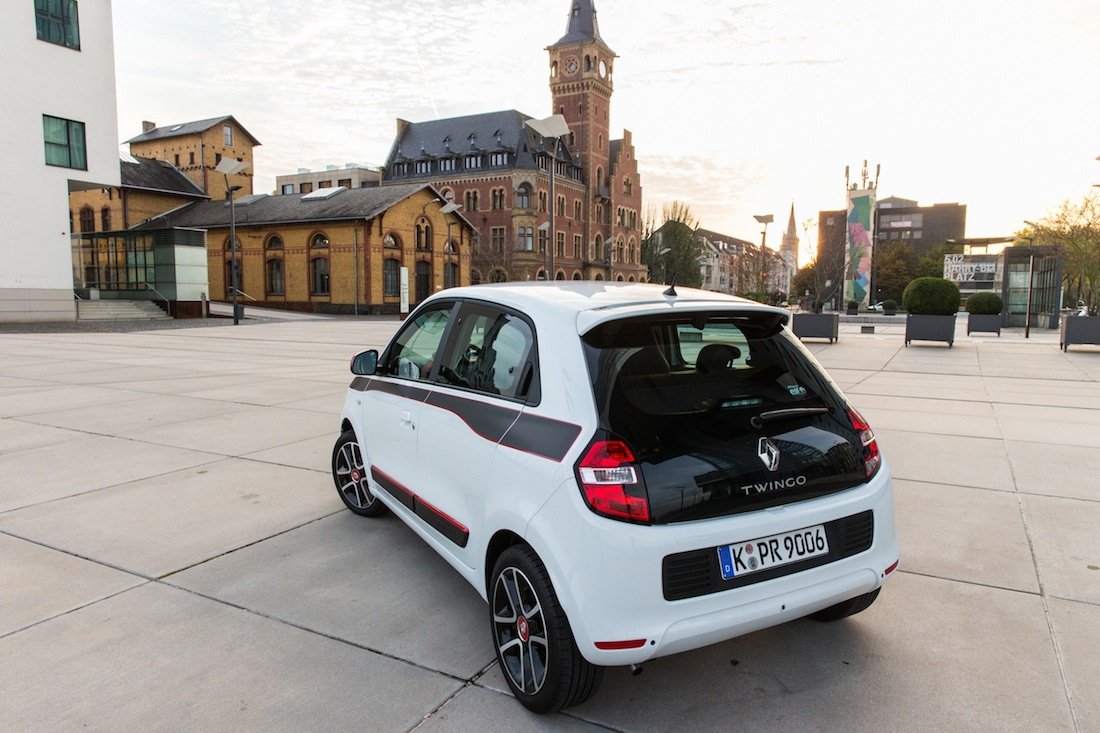 test renault twingo iii mit 90 ps. Black Bedroom Furniture Sets. Home Design Ideas