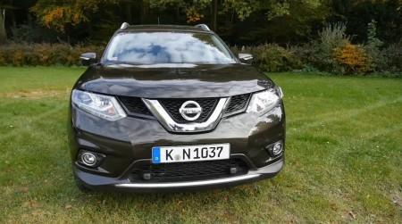 Nissan_X-Trail_2014_001