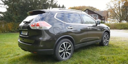 Nissan_X-Trail_2014_002