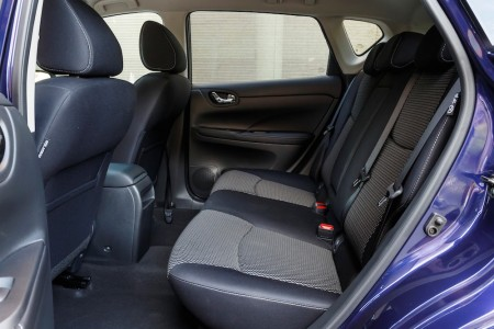 Platz im Fond gibt es fast wie früher im seligen Nissan Maxima - Foto: Nissan