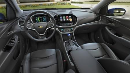Das Cockpit wirkt wie aus einem Opel Insignia entnommen - Foto: Chevrolet
