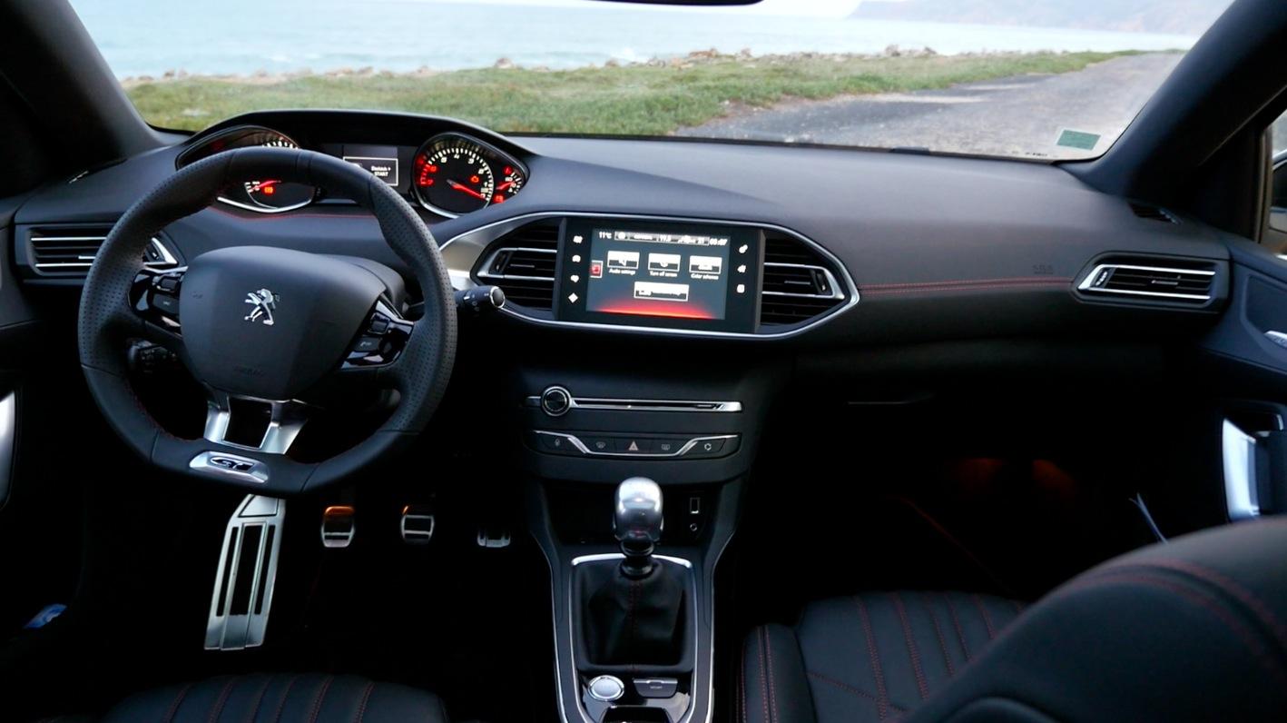Peugeot308_GT-Interior000