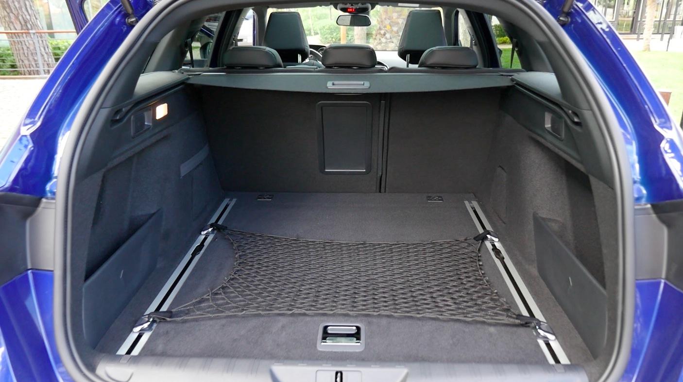 Peugeot308_GT-Interior004