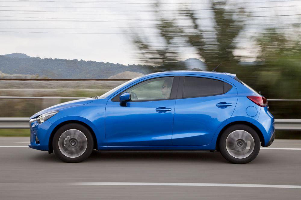 Mazda2_2015_Autogefuehl_007