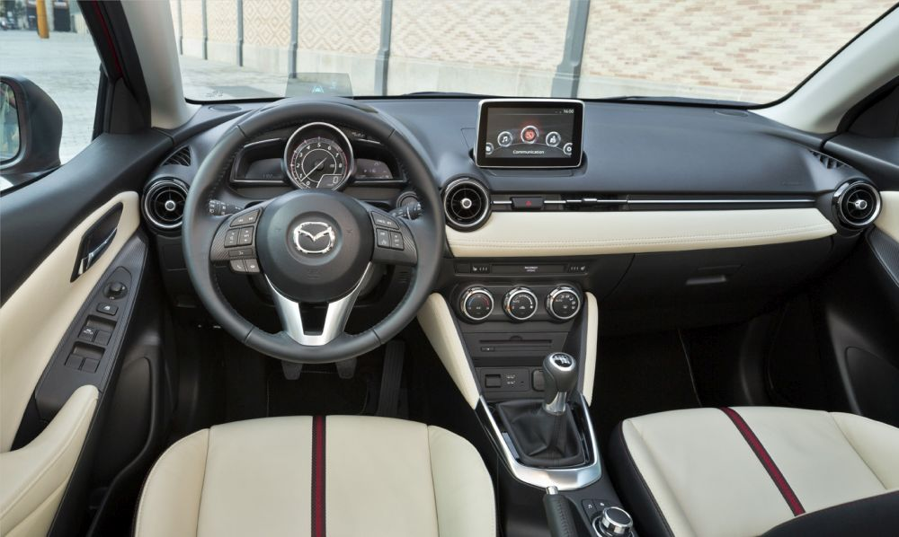 Mazda2_2015_Autogefuehl_009