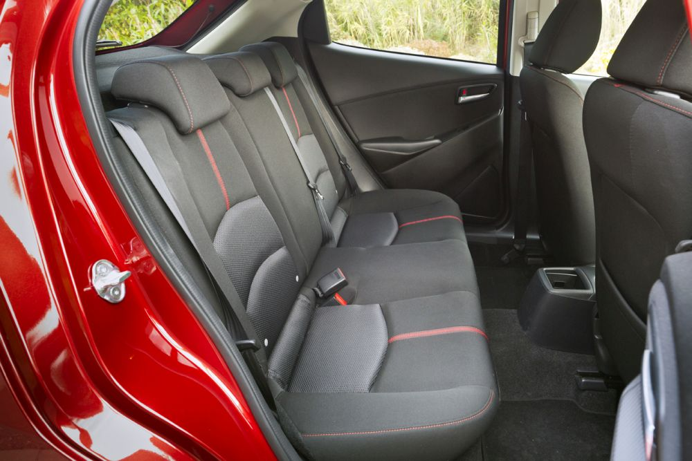 Mazda2_2015_Autogefuehl_010