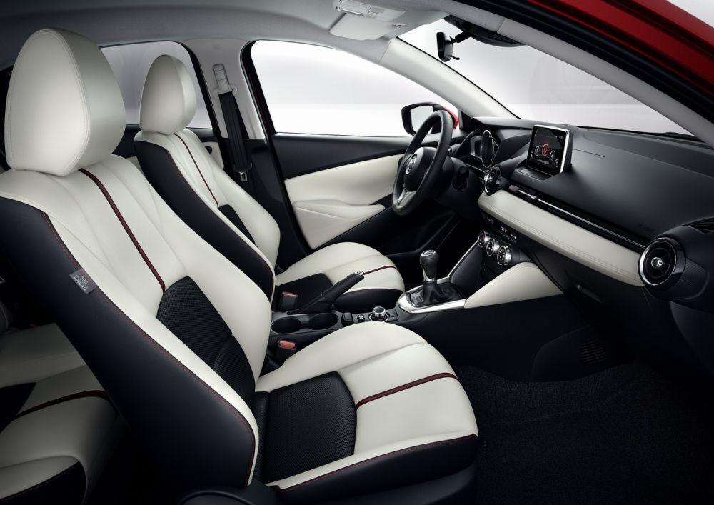 Mazda2_2015_Autogefuehl_012