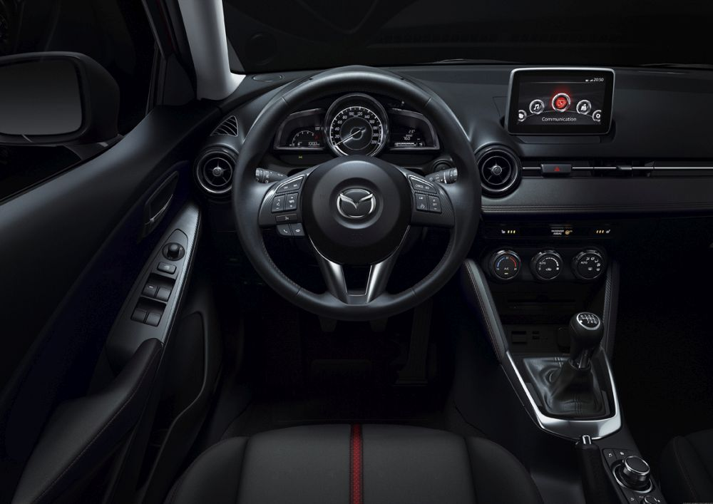 Mazda2_2015_Autogefuehl_015