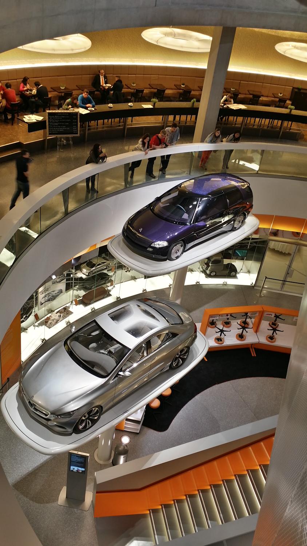 MercedesMuseum_001