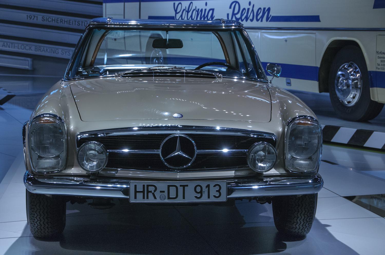 MercedesMuseum_004