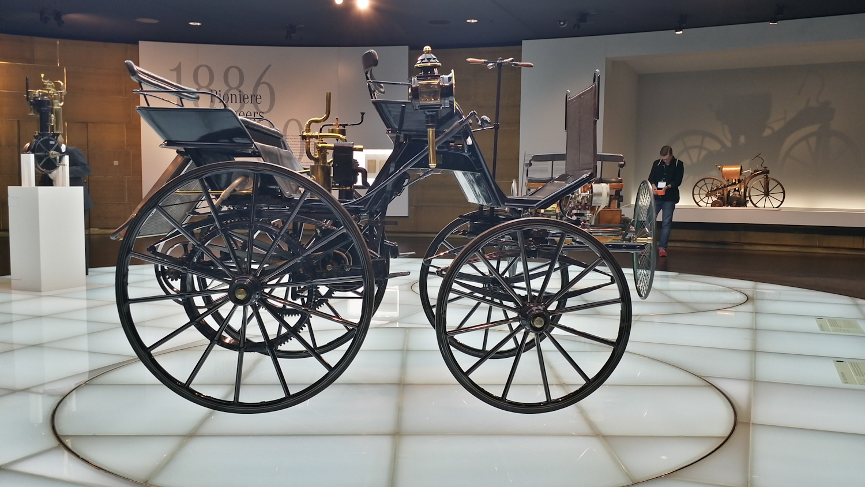 MercedesMuseum_010