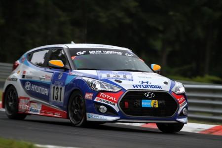Hyundai Veloster in der Rennversion - Klassensieg beim 24 Stunden Rennen am Nürburgring 2014 - Foto: Hyundai