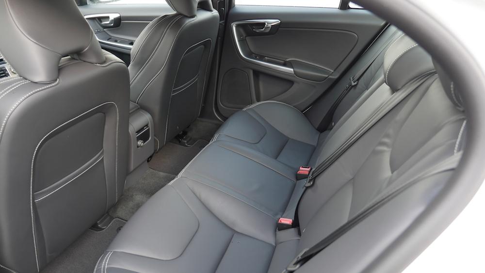 VolvoS60_Limousine001