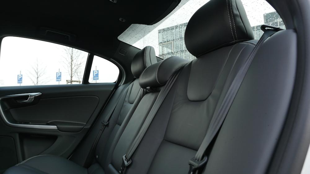VolvoS60_Limousine002