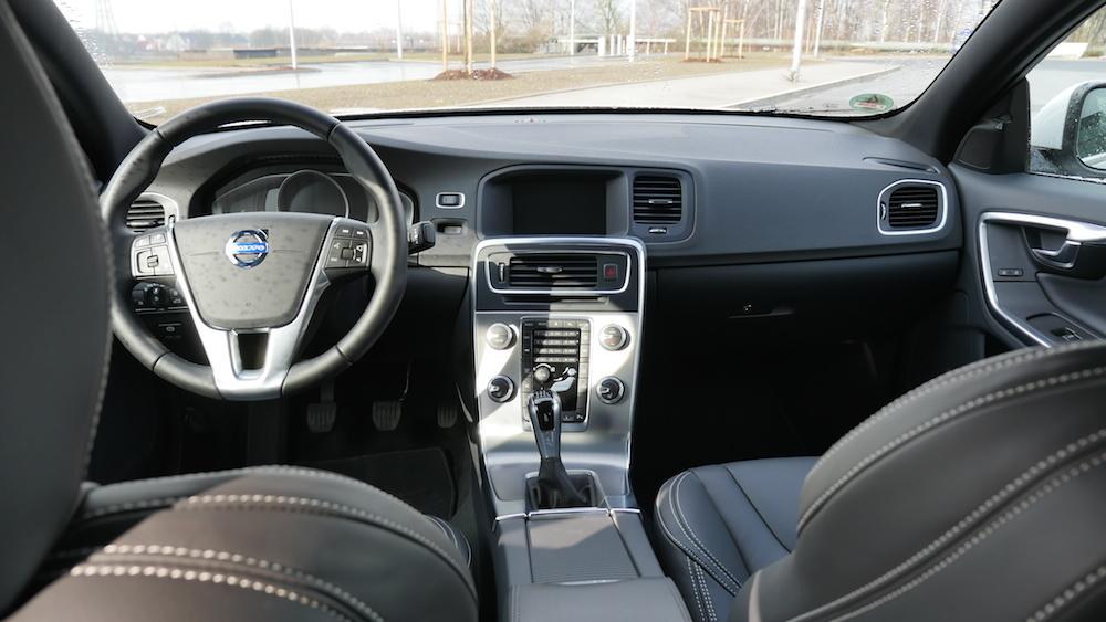 VolvoS60_Limousine003