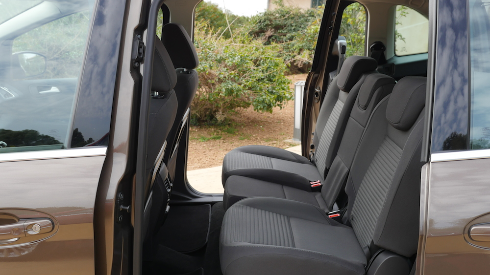 FordGRANDCMAX-facelift_autogefuehl_015