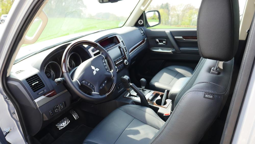MitsubishiPajero_3tuerer_autogefuehl017