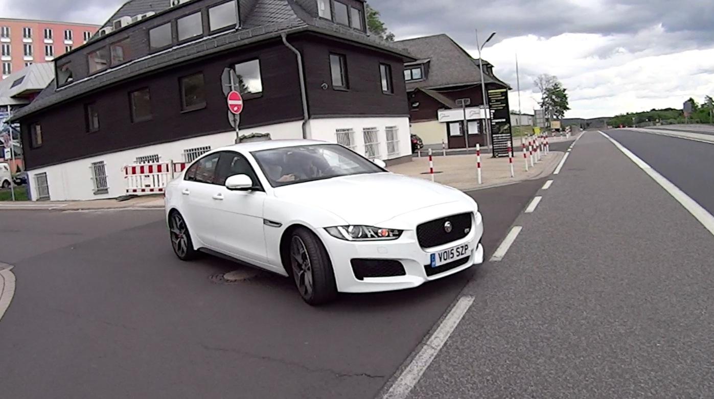 JaguarXE_2016_002