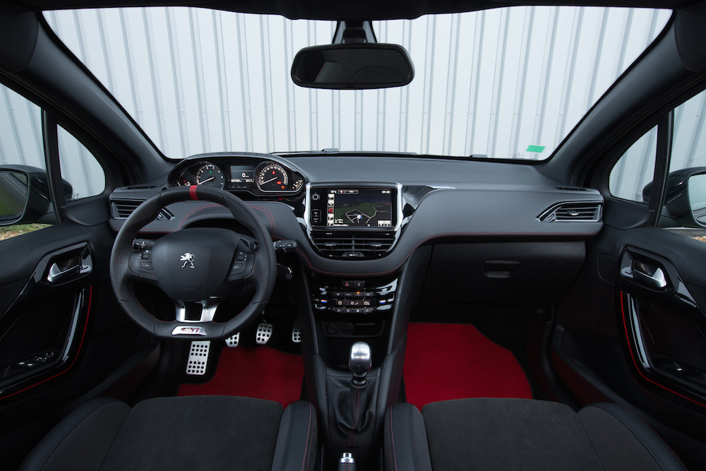 Peugeot 208 gti 30th test kleiner rabauke autogef hl for Interieur 208 gti