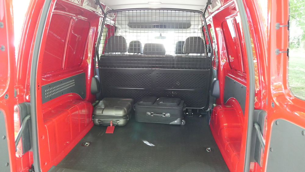 VWCaddy_doublecab_trunk