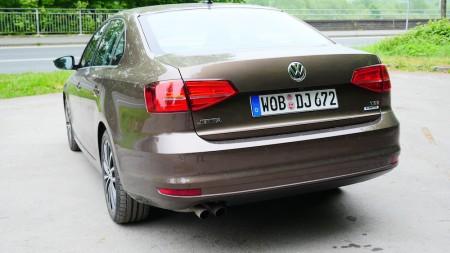 VolkswagenJetta_Facelift_001