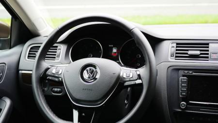 VolkswagenJetta_Facelift_002