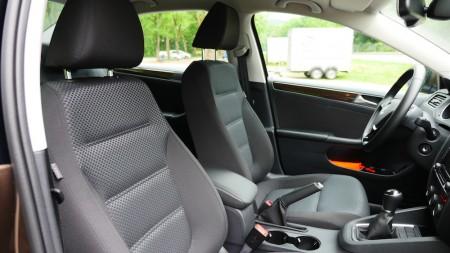 VolkswagenJetta_Facelift_005