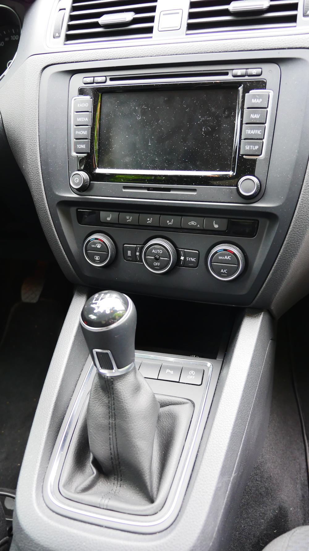 VolkswagenJetta_Facelift_006