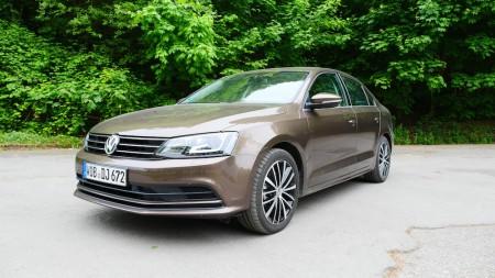 VolkswagenJetta_Facelift_009
