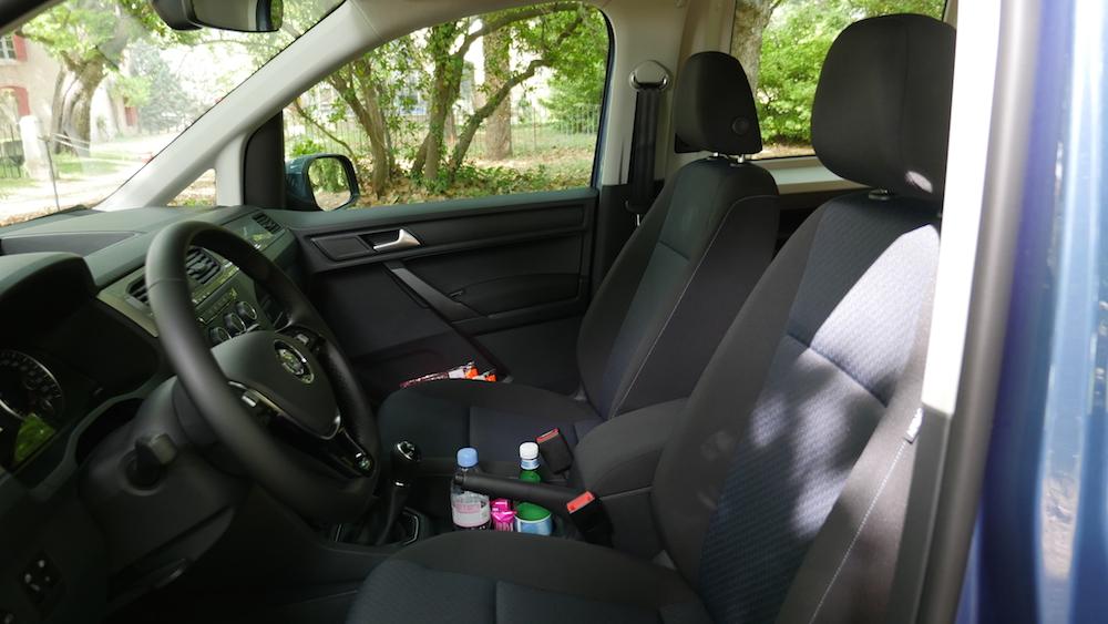 Volkswagen_caddy_2ndgen003