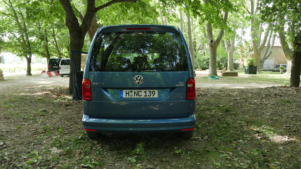 Volkswagen_caddy_2ndgen005