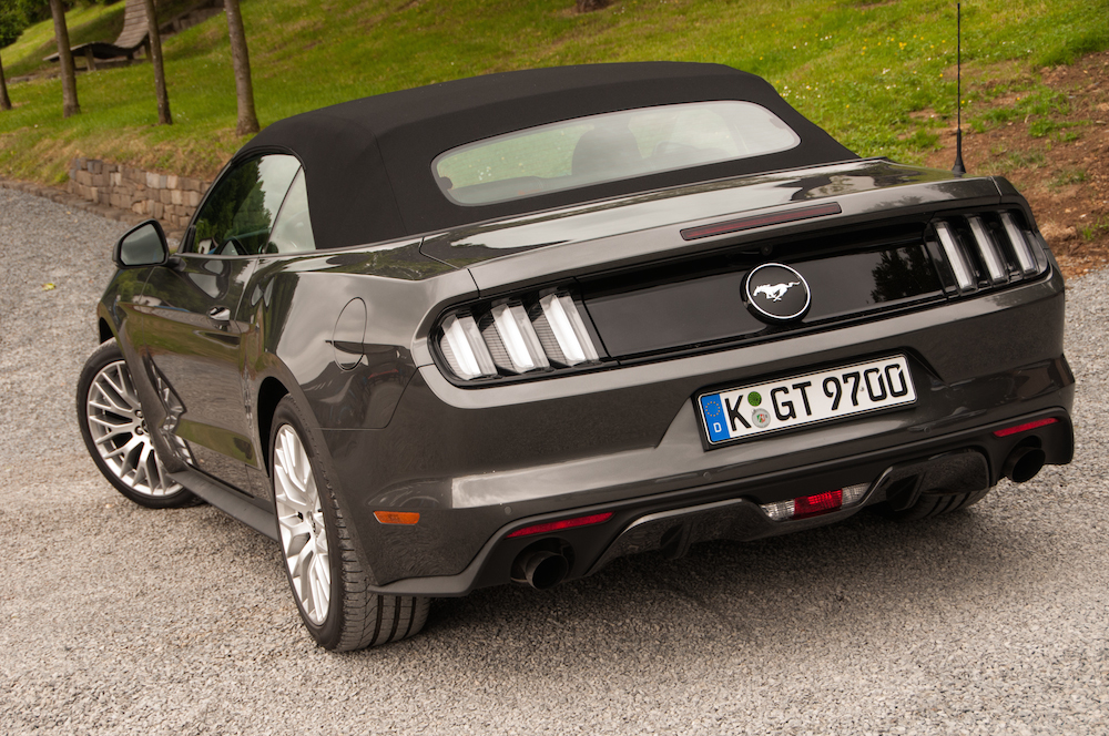 der neue ford mustang im testbericht convertible und fastback autogef hl. Black Bedroom Furniture Sets. Home Design Ideas