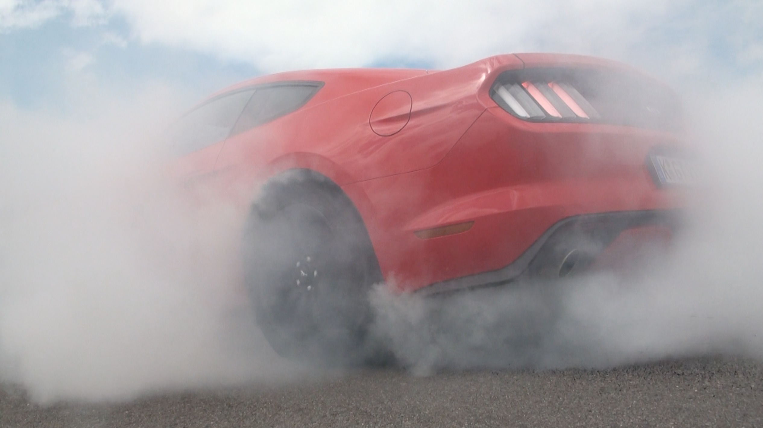 FordMustang_Burnout