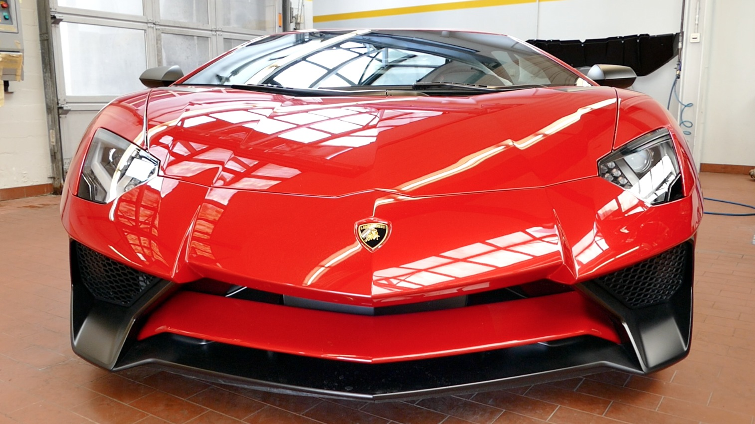 LamborghiniAventador-LP750-4_autogefueh000