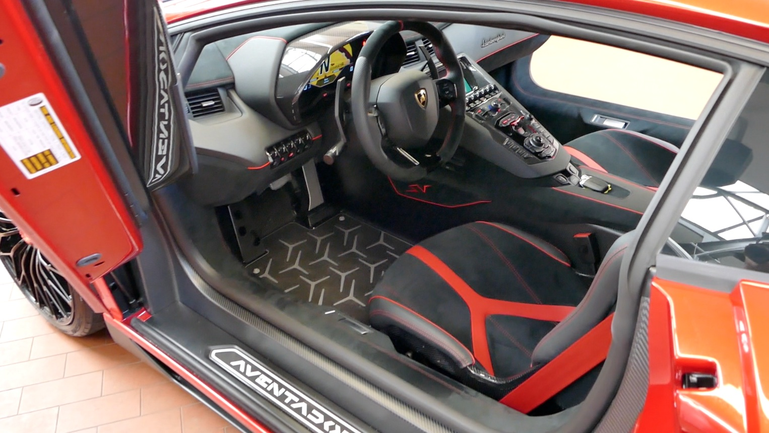 LamborghiniAventador-LP750-4_autogefueh008