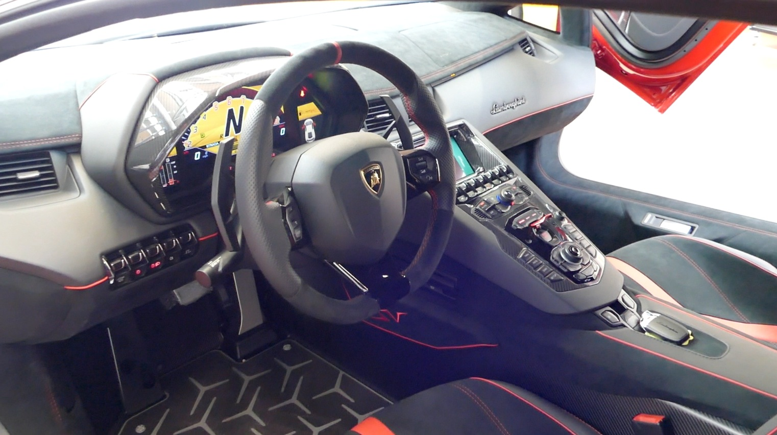 LamborghiniAventador-LP750-4_autogefueh009