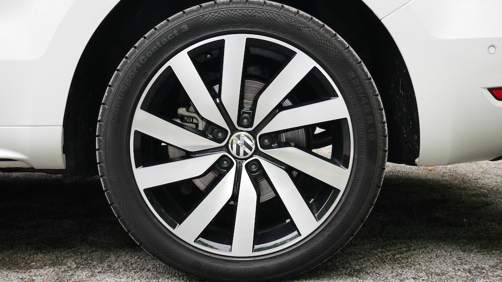 VolkswagenSharan_Facelift_006