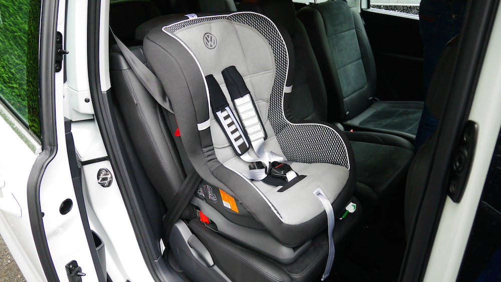 VolkswagenSharan_Facelift_019