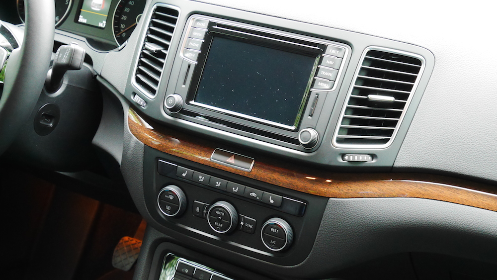 VolkswagenSharan_Facelift_021