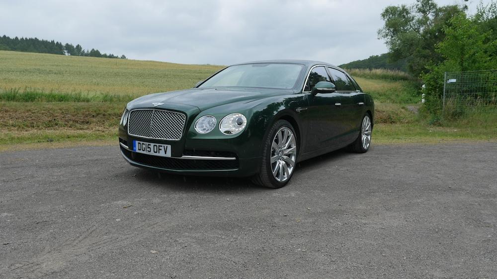 BentleyFlyingSpurW12_autogeufehl_000